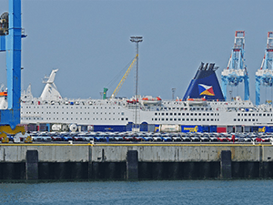 P&O veerboot in de haven